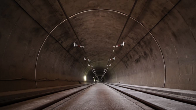 """Временно е спряно осветлението в тунел """"Кочериново"""" на АМ """"Струма"""""""