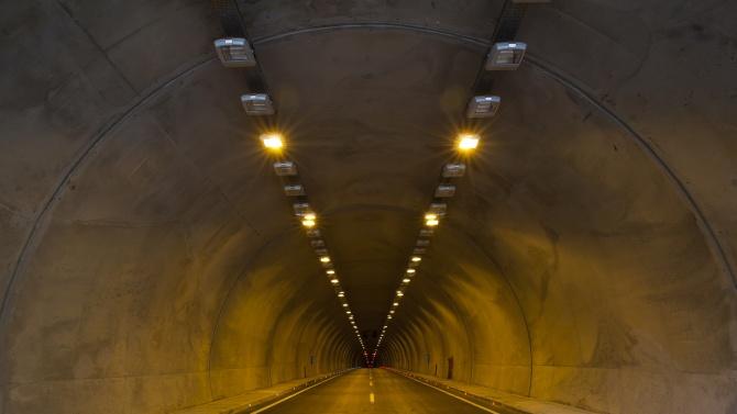 """Възстановено е осветлението в тунел """"Кочериново"""" на магистрала """"Струма"""""""