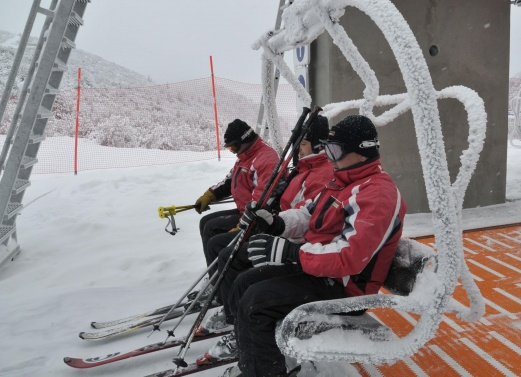 Ще провалят ли новите мерки зимния туристически сезон?