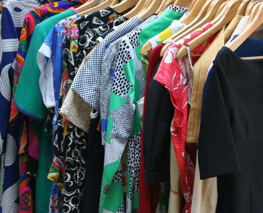 Какво правите със старите си дрехи?