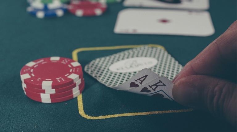 Имате ли познати в близкото си обкръжение, които страдат от хазартна зависимост?
