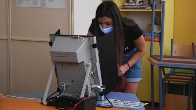 Как трябва да се проведат предстоящите избори - 2 в 1 или поотделно?