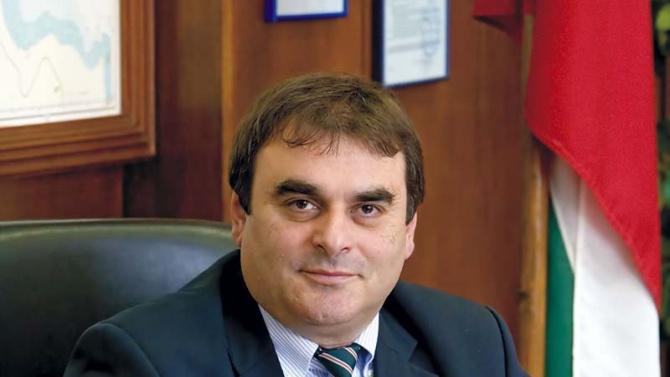 Данаил Папазов