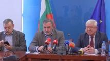 Трима души в България са под наблюдение със съмнения за китайския коронавирус