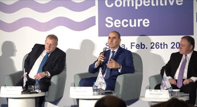 """Цветанов: Инициативата """"Три морета"""" спомага за свързаността между Централна и Източна Европа"""