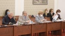 Да не се спира изпълнението на задълженията за предаване на дете, реши Правната комисия