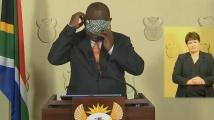 Президентът на РЮА проведе борба с маска