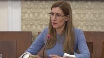 Ангелкова докладва на депутатите мерките за спасяване на туризма