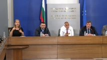 Каракачанов към ген. Станчев: Ще се вземат ли мерки за унизителния акт със захвърлянето на знамето ни