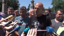 Протестиращи сърдити, че им пращат провокатори