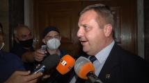 Каракачанов: Минималните пенсии ще бъдат увеличени и индексирани от догодина