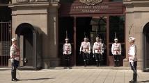 Грандиозна тържествена смяна на почетния караул пред Президентството