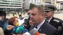 Каракачанов: Авиацията ни се изправя на крака