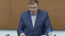 Здравният министър пред депутатите: За какъв план говорите? Че ние не знаем почти нищо за COVID-19