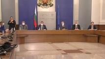 Икономическият министър: Сектор търговия остава изцяло отворен