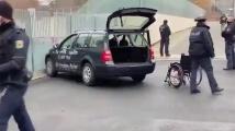 Кола се вряза в портата на канцеларията на Ангела Меркел