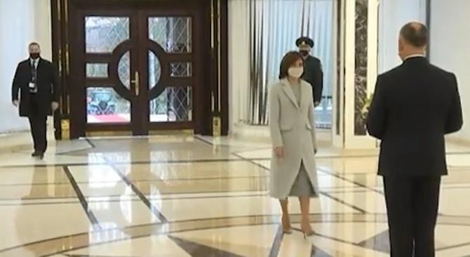 Мая Санду встъпи в длъжност като президент на Молдова