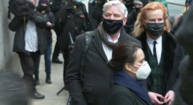 Съд не позволи екстрадирането на Джулиан Асанж в САЩ