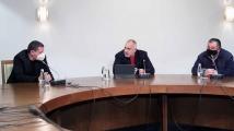 Борисов за боклука в Искър: Веднага да се чисти