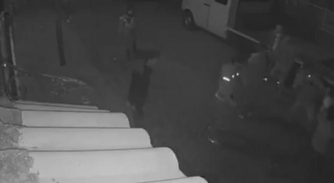 Пловдивчанин даде огънче на група роми, те го пребиха