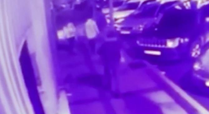 Мъж с нож вилня в Истанбул. Има ранени