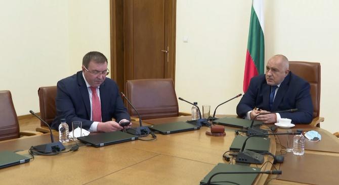 Министри докладваха на Борисов за COVID-19, ваксинацията и нови милиони за затворените сектори