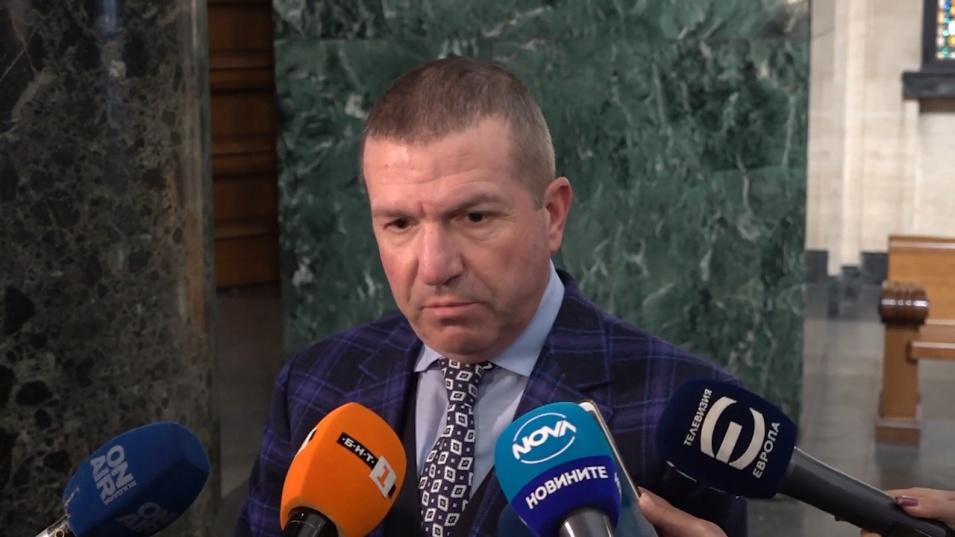 Адвокат Менков: По никакъв начин тези тежки наркотици не могат да се съдържат в успокояващ чай