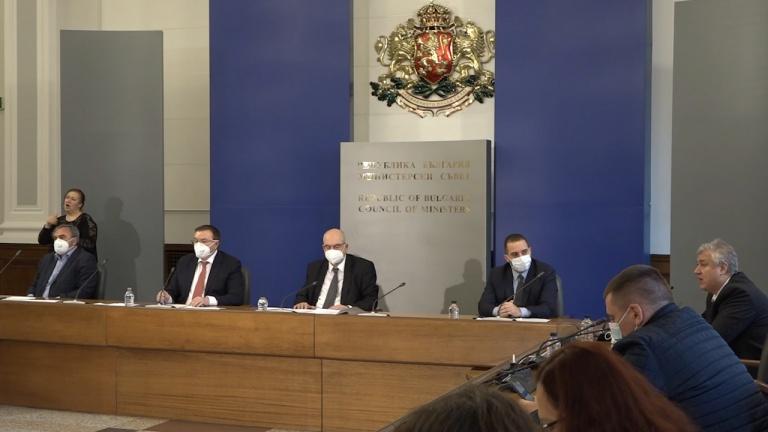 Проф. Балтов с молба към членовете на ЦИК и СИК за ваксините