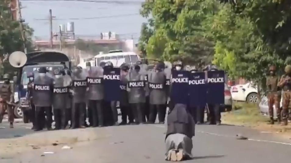 Продължават протестите срещу хунтата в Мианма