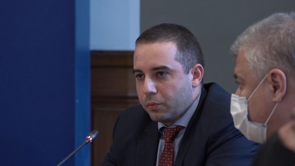 """Богдан Кирилов с подробности за компрометираната партида ваксини на """"Астра Зенека"""""""