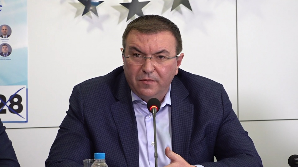 Проф. Ангелов за доставките на 2.7 млн. ваксини: Борисов воюва за България и за живота на всеки българин