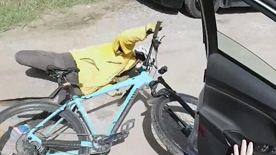 Велосипедист пострада заради внезапно отворена врата на автомобил