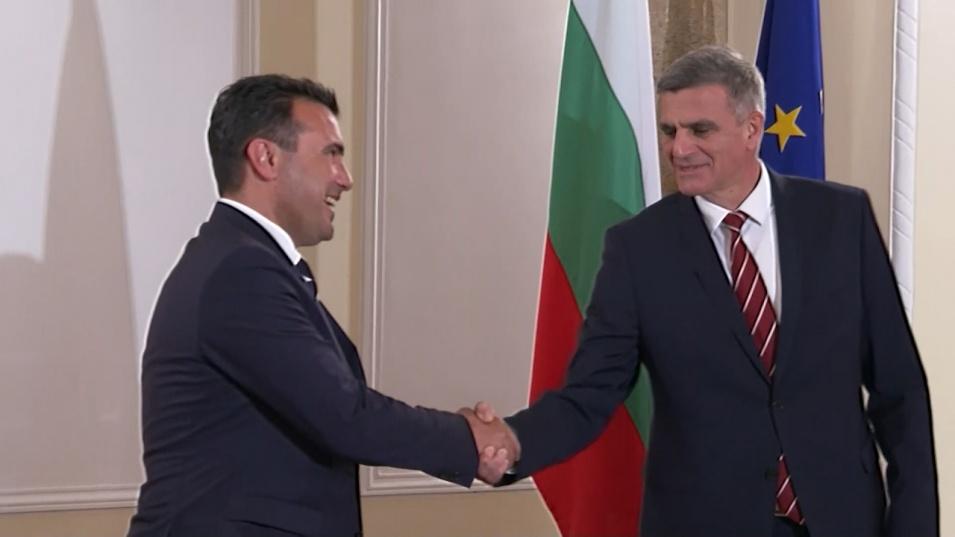 Започна срещата между Стефан Янев и Зоран Заев