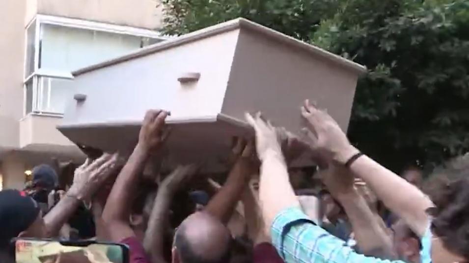 Ливанци щурмуваха дома на шефа на МВР
