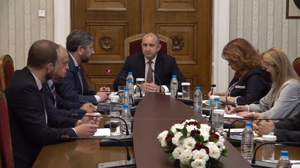 Румен Радев пред ДБ: Трябва да се намери разумният компромис, за да се състави най-бързо кабинет