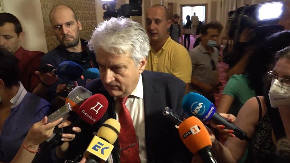 Бойко Рашков не отстъпва, отново захапа Борисов и Гешев