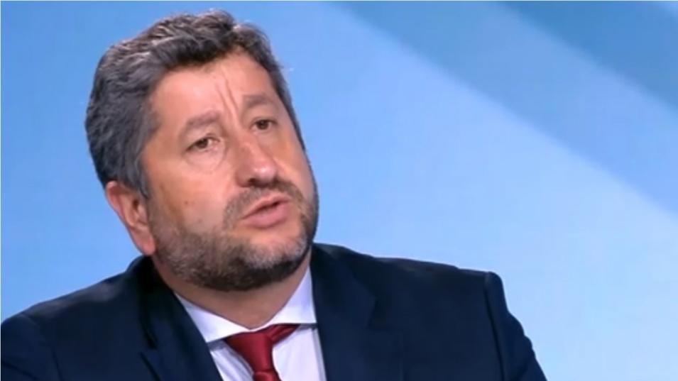 Христо Иванов: Петков, Василев и Денков и още няколко министри трябва да останат, защото имат опит и доверие от обществото