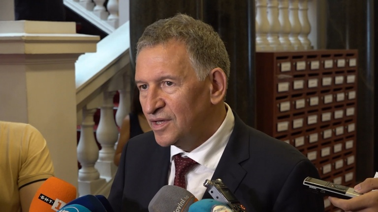 Стойчо Кацаров: Ще се справим по-добре със следващата епидемична вълна