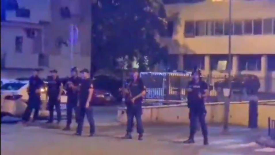 Въоръжени до зъби полицаи излязоха по улиците на Подгорица