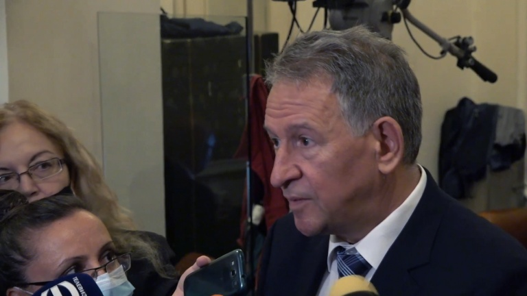 Кацаров: Ако спазваме стриктно новите мерки, до 2-3 седмици може да ги отменим