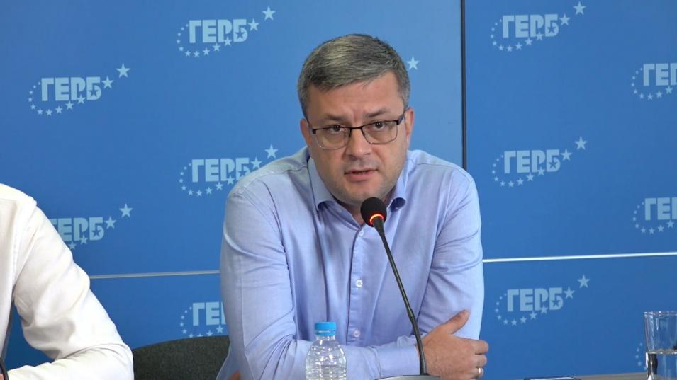 """В ГЕРБ няма страх от Кирил Петков. Очакват """"ченгеджийски"""" предизборни номера от Рашков"""